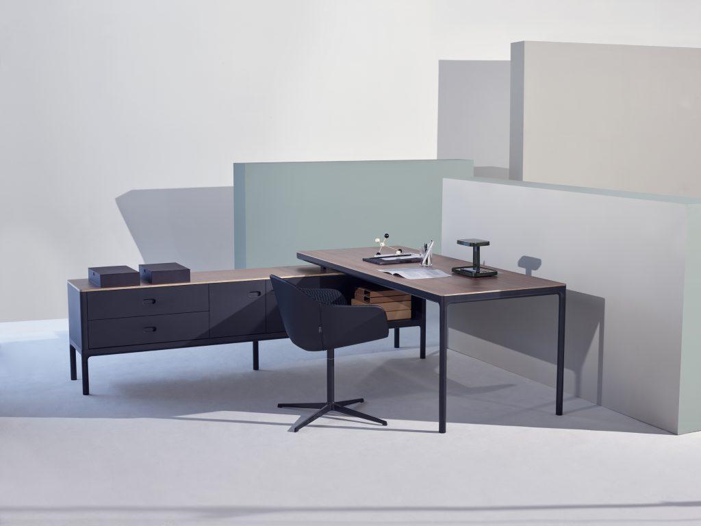 Edge Executive Desk by PearsonLloyd