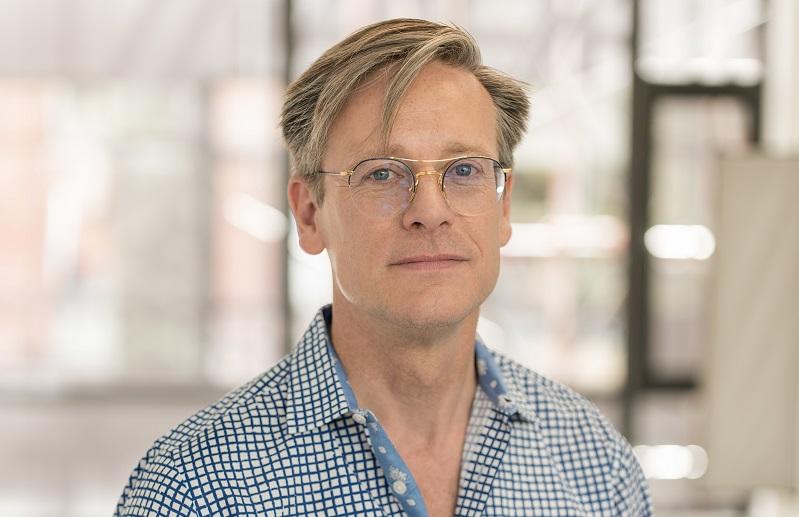 Daniel Hopwood to host talk at Surface Design Show